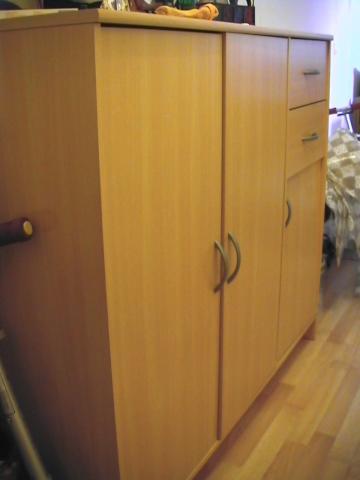 meuble en h tre ameublement maison trappes 78190 annonce gratuite ameublement. Black Bedroom Furniture Sets. Home Design Ideas