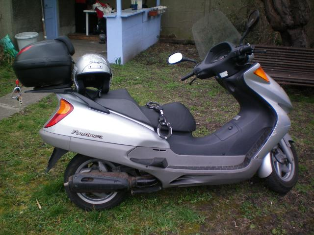 scooter honda pantheon 125 motos v hicules le blanc mesnil 93150 annonce gratuite motos. Black Bedroom Furniture Sets. Home Design Ideas
