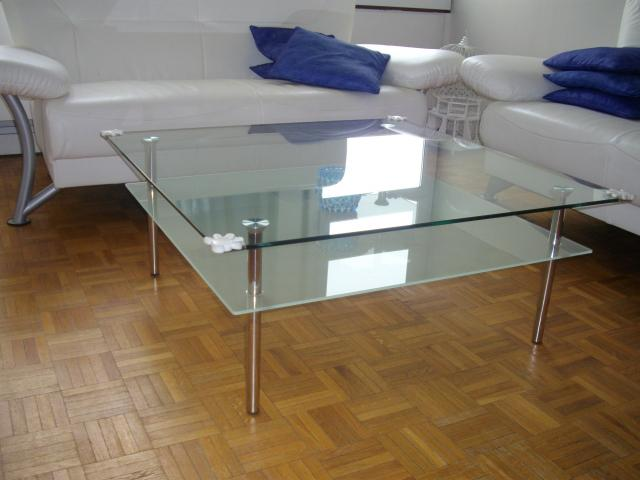 Table basse carr e verre ameublement maison cr teil for Table basse verre carree