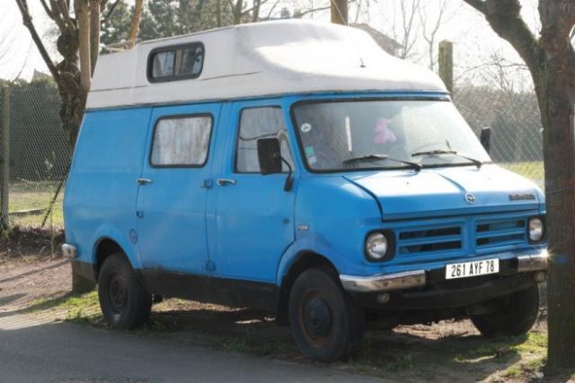 vds camping car collector bedford bleu tbe an76 voitures v hicules les mureaux 78130. Black Bedroom Furniture Sets. Home Design Ideas