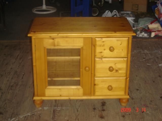 Ensemble meubles s jour et tv en pin teint miel for Ensemble meuble sejour