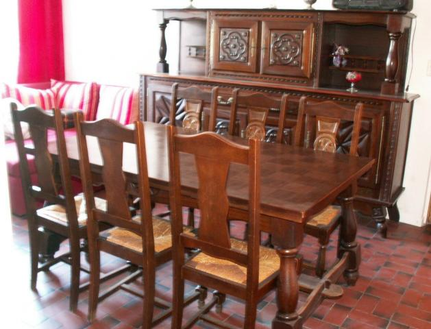 vend salle manger style basque compl te ameublement maison imphy 58160 annonce. Black Bedroom Furniture Sets. Home Design Ideas