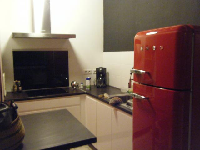 frigo avec congelateur smeg rouge electrom nager maison. Black Bedroom Furniture Sets. Home Design Ideas