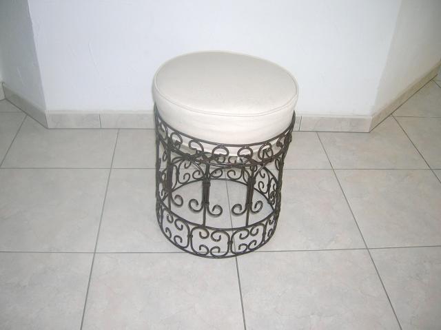 table basse en zellige pouf marocain en fer forg ameublement maison n grepelisse 82800. Black Bedroom Furniture Sets. Home Design Ideas