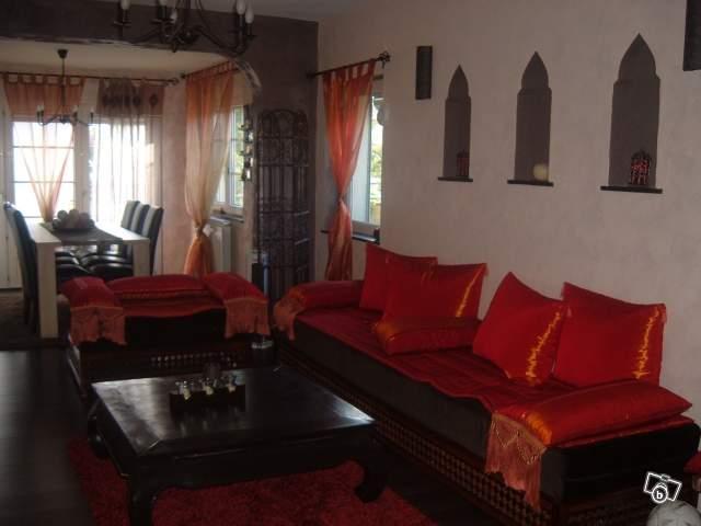 salon marocain occasion vends 2 banquettes et meuble d angle picture - Salon Marocain Moderne Orange Marron