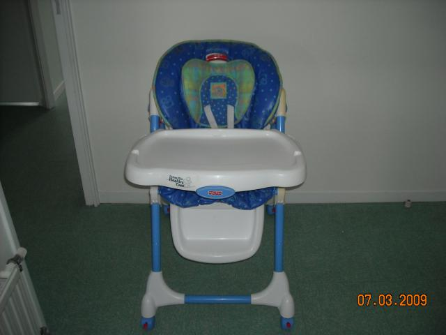 Chaise haute fisher price equipement b b maison aytr for Chaise haute fisher price