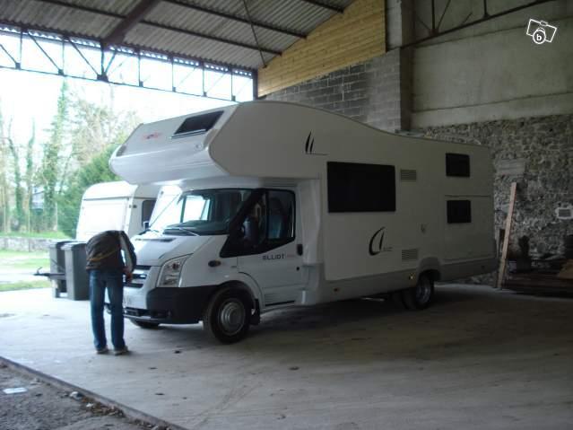 Camping car familllial elliot maxi 40 caravaning for Aulnoye aymeries piscine