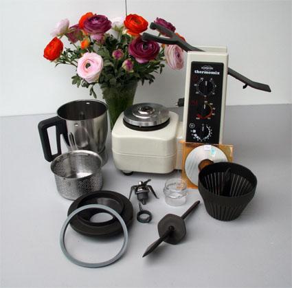robot thermomix vorwerk 3300 tres bon etat de 94 96 electrom nager maison budeli re 23170. Black Bedroom Furniture Sets. Home Design Ideas