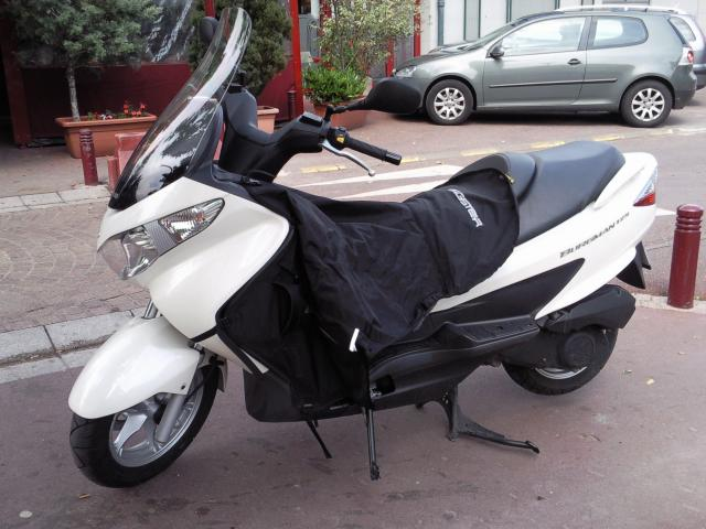 suzuki 125 burgman de 09 blanc 3000 km motos v hicules sceaux 92330 annonce gratuite motos. Black Bedroom Furniture Sets. Home Design Ideas