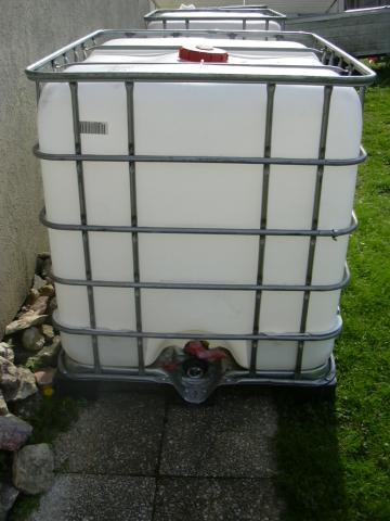 cuve 1000 litres bricolage jardinage maison tessancourt sur aubette 78250 annonce. Black Bedroom Furniture Sets. Home Design Ideas