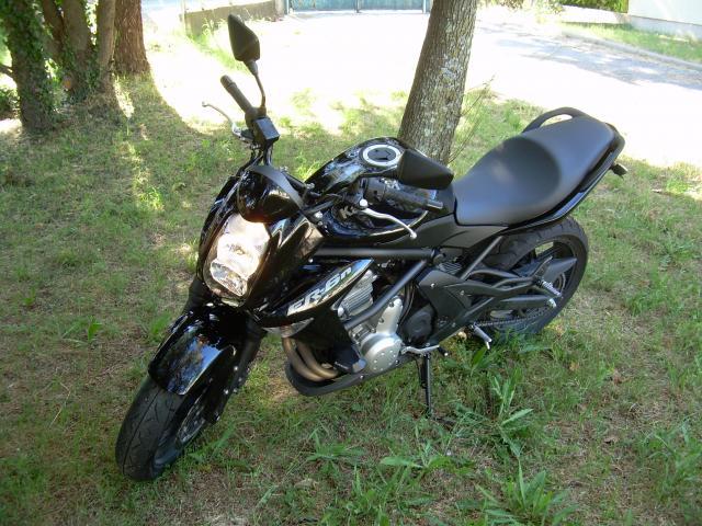 vends kawasaki er6n noire motos v hicules saint mamert du gard 30730 annonce gratuite motos. Black Bedroom Furniture Sets. Home Design Ideas