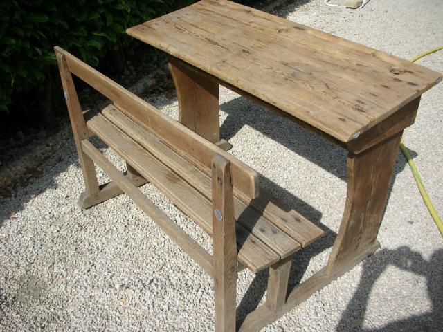 Pupitre colier en bois ameublement maison avignon for Table d ecolier en bois