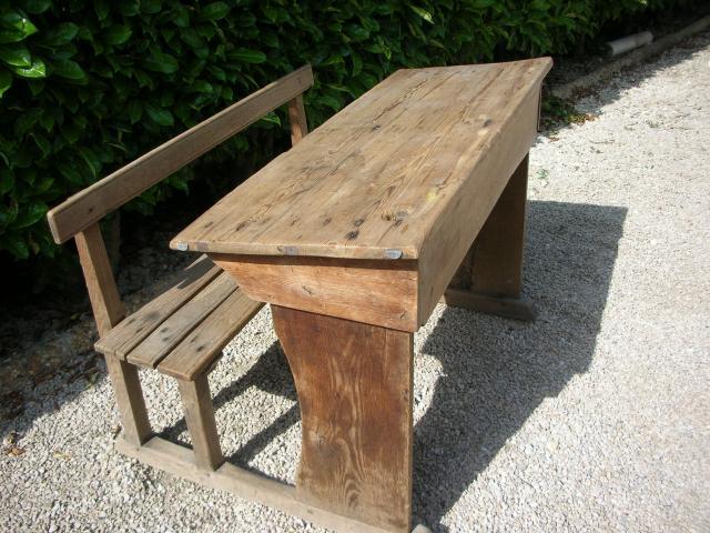 pupitre colier en bois ameublement maison avignon 84000 annonce gratuite ameublement. Black Bedroom Furniture Sets. Home Design Ideas