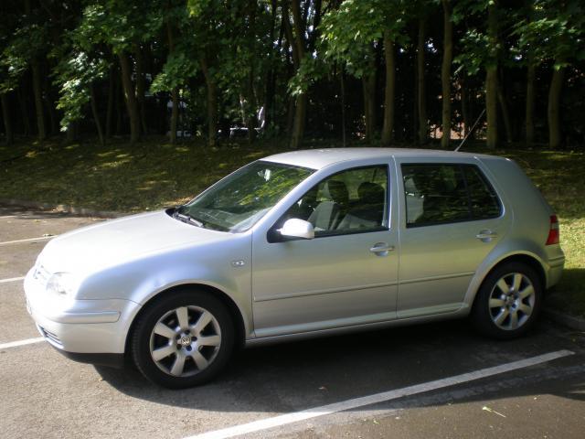 Golf iv tdi100 match ii confort voitures v hicules le for Garage volkswagen le chesnay 78