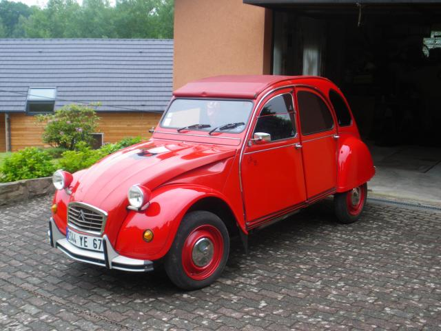 citro u00ebn 2 cv rouge   voitures  v u00e9hicules  tieffenbach