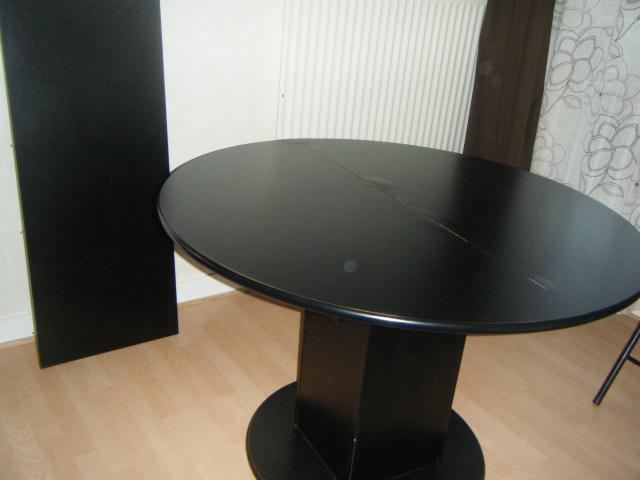Table ronde avec rallonge ameublement maison lagny sur for Table ronde noire avec rallonge