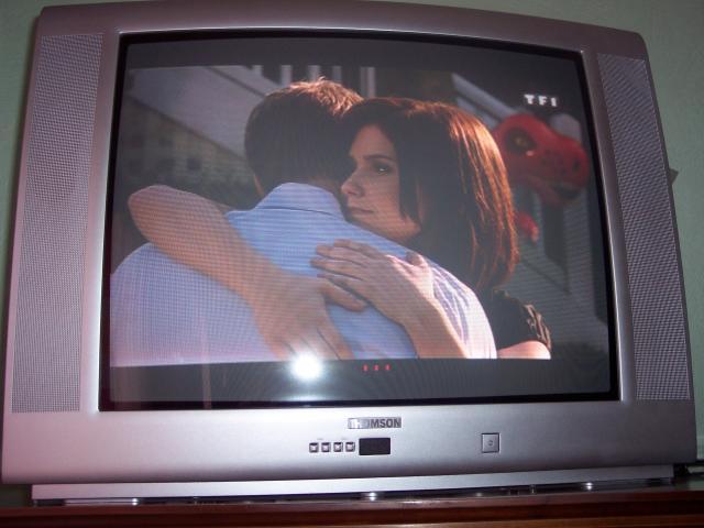 television thomson 70 cm image son multim dia garindein 64130 annonce gratuite image son. Black Bedroom Furniture Sets. Home Design Ideas