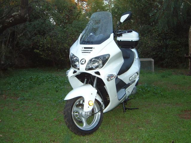 scooter jonway gt 125cm3 motos v hicules toulon 83200 annonce gratuite motos. Black Bedroom Furniture Sets. Home Design Ideas