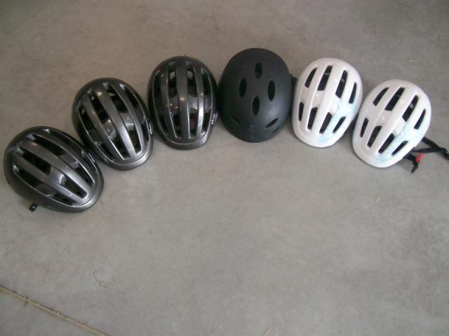lot de 6 casques v lo skate roller taille r glable sports hobbies loisirs la roche sur. Black Bedroom Furniture Sets. Home Design Ideas