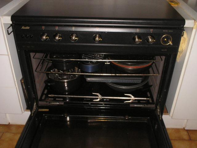 gaziniere sauter 5 feux electrom nager maison lozanne 69380 annonce gratuite electrom nager. Black Bedroom Furniture Sets. Home Design Ideas