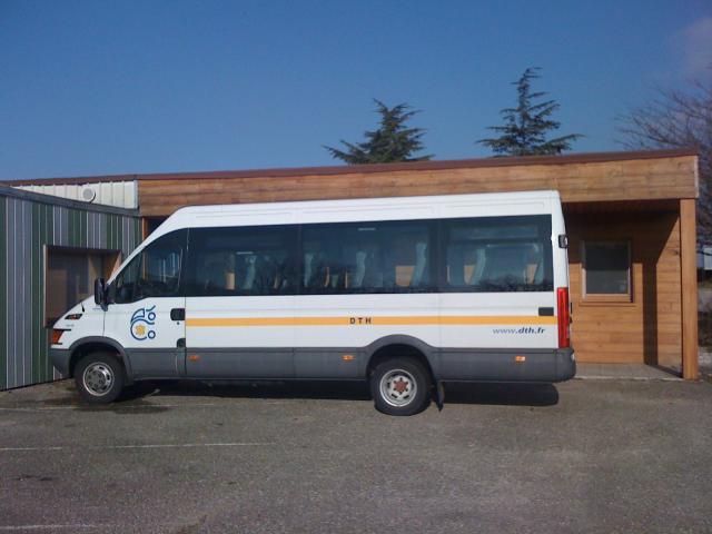 mini bus iveco 20 places voitures v hicules bourg de. Black Bedroom Furniture Sets. Home Design Ideas