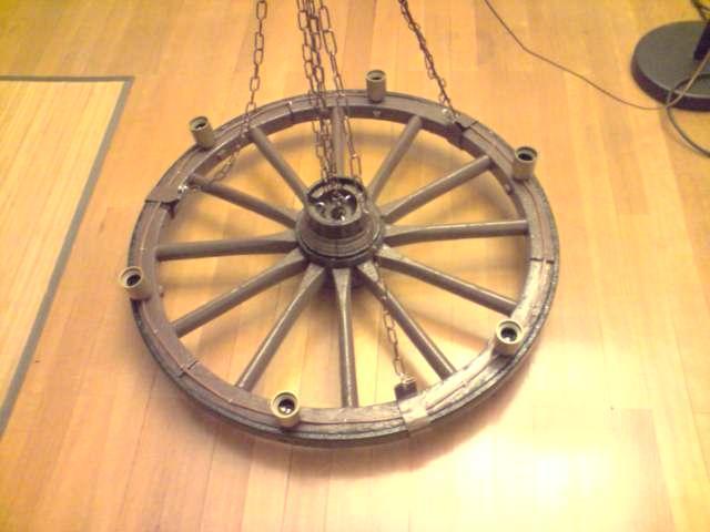 Lustre roue de charrette de 6 lampes enti rement r nov d coration maison grenoble 38100 - Roue de charette decoration ...
