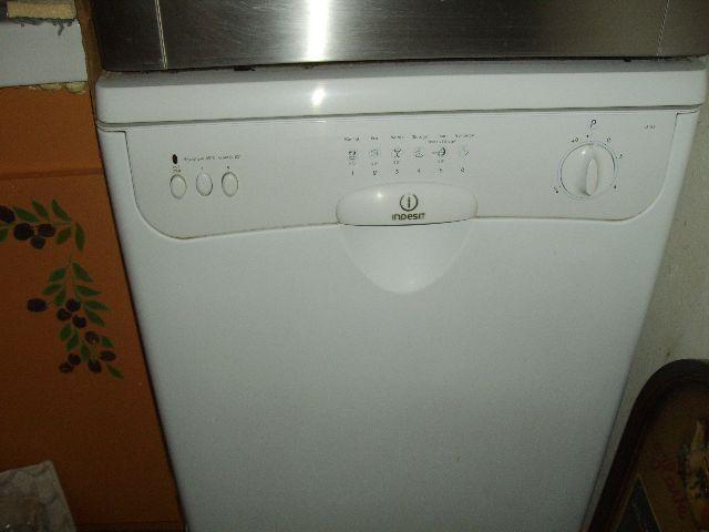 lave vaisselle indesit 12 couverts d63 superbe tat electrom nager maison flayosc 83780. Black Bedroom Furniture Sets. Home Design Ideas