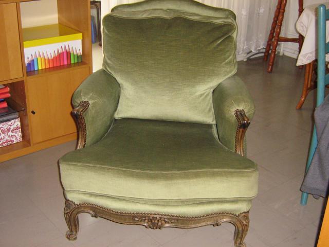 splendide fauteuil ancien en velours vert d 39 eau boisseries ameublement maison drancy 93700. Black Bedroom Furniture Sets. Home Design Ideas