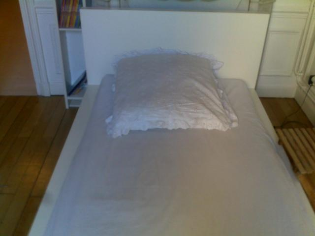 lit ikea malm sommier lattes sultan lonevag 1pers d coration maison boulogne billancourt. Black Bedroom Furniture Sets. Home Design Ideas