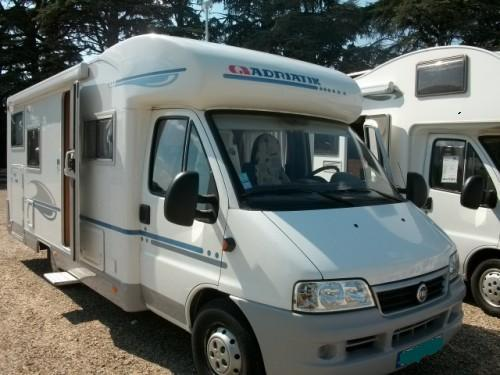 camping car adria coral 680 sp garage caravaning v hicules troyes 10000 annonce gratuite. Black Bedroom Furniture Sets. Home Design Ideas