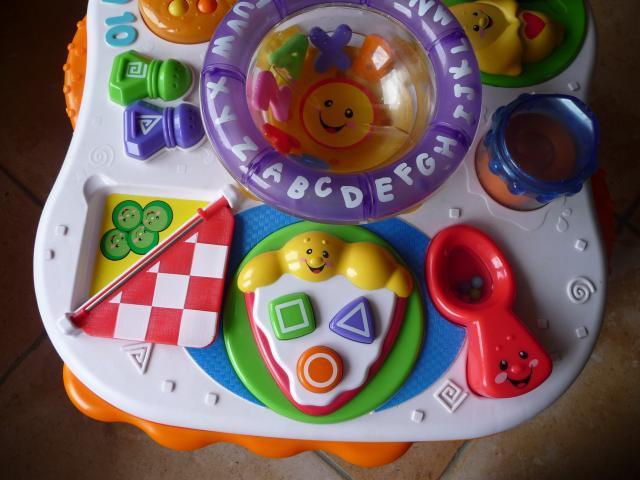table d 39 activit s lectronique fisher price jeux jouets loisirs istres 13800 annonce. Black Bedroom Furniture Sets. Home Design Ideas