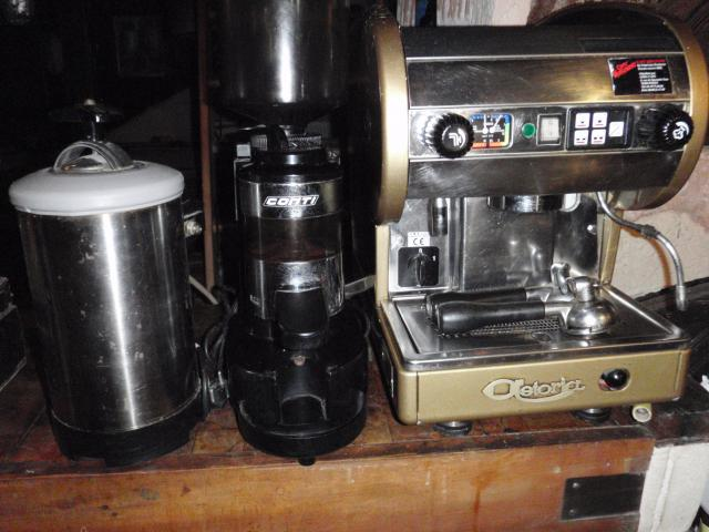 Vends occasion machine caf moulin caf adoucisseur for Materiel professionnel cafe